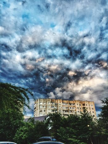 Sky Cloud - Sky Built Structure Building Exterior Tree Nature City Storm Cloud Architecture No People Residential Building Outdoors Beauty EyeEm Selects Walk ❤❤❤ 😍😌😊 Summer Hello World Popular Photos Popular Looking At Camera WalkWithFriends. Goodday Beautiful