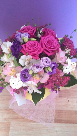 Beautiful Flowers ♡ ♡ In My Room Lovely! For Me *.* Gift Of A Friend Pink Colors Summer Flowers Verry Romantic Perfect Think