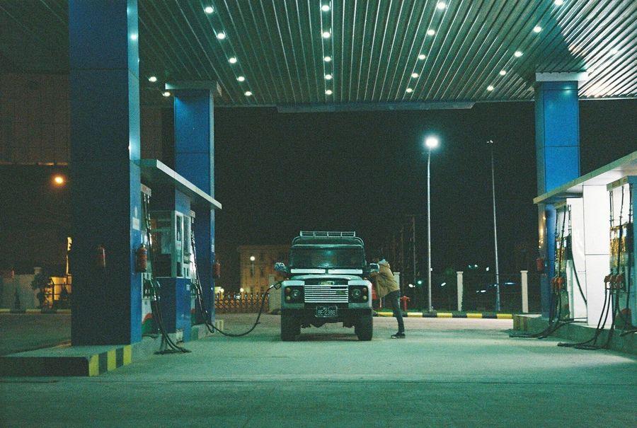 Car Film Filmcamera Gasstation Landrover  Me Mynmar Night Travel