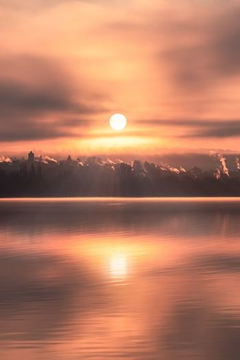 Sunrise over lake Nature Lake Lake View Essen Deutschland NRW Baldeneysee Photos Official EyeEm © Sun Sunrise Sunset Sunlight Baldeneysee Lakeshore Lakeside Lakeview Water Romantic Outdoors Mood