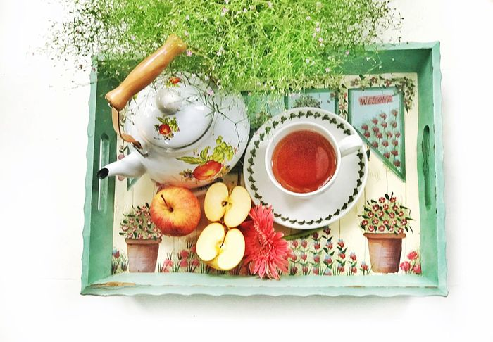 Apple tea Fruit Healthy Eating High Angle View Directly Above Food And Drink Tray Freshness Food Flower Studio Shot Tea - Hot Drink No People White Background Teapot Indoors  Day Close-up Apple Tea Tea Time Food And Drink Flatlay Still Life StillLifePhotography Morning Tea The Still Life Photographer - 2018 EyeEm Awards The Still Life Photographer - 2018 EyeEm Awards