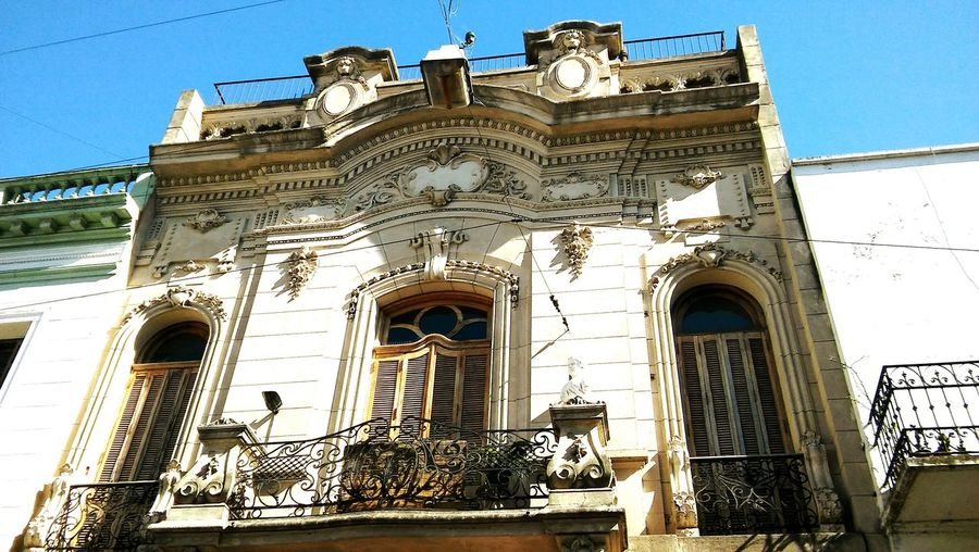 Low Angle View Architecture Built Structure Building Exterior Window Outdoors History Façade Travel Destinations Sunlight Colors City Argentina Art Is Everywhere BsasCity Buenos Aires Bsas City Views Travel Pictures San Telmo Low Angle View Façade Architecture Day Light The Architect - 2017 EyeEm Awards