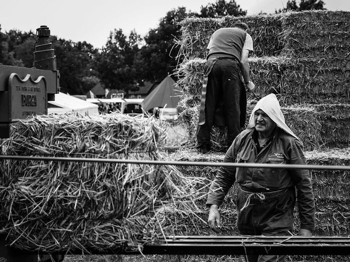 Farmers Working Farmer Real People Working Netherlands Blackandwhite Blackandwhite Photography Black And White Photography Black And White The Week On EyeEm EyeEm The Week Of Eyeem EyeEmNewHere EyeEm Selects Week Of Eyeem Mypointofview My Point Of View Week On Eyeem EyeEm Gallery EyeEm Best Shots Working Hard People Working Hard Farmer's Life