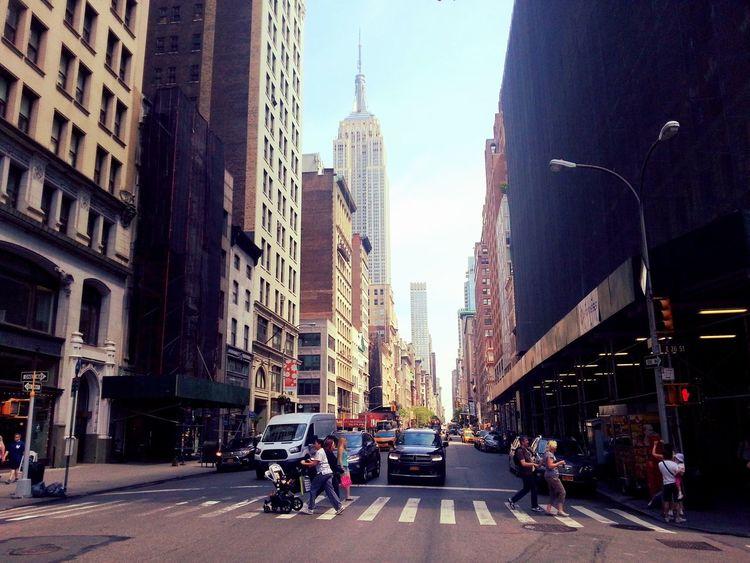 New York City Traffic Walking Around The City  Tower