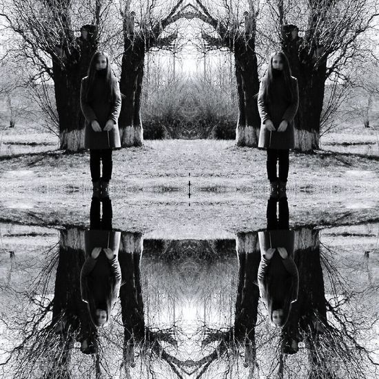 Symmetry People Tree Darkness Blackandwhite Black & White Photography Photography Vibes Nature Backgrounds Black&white Mobilephotography Photographing Teengirl