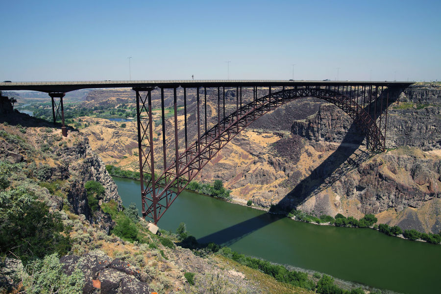 Perrine Bridge is the most famous bridge in the U.S. state of Idaho. The bridge spans the deep Snake River Canyon in Twinn Falls. Iron Bridge Snake River Travel Photography Twinn Falls USA Arch Arch Bridge Architecture Bridge Bridge - Man Made Structure Built Structure Connection Day Engineering Idaho Nature Outdoors Perrine Bridge River Scenics - Nature Snake River Canyon Transportation Travel Destinations Travel Usa Water