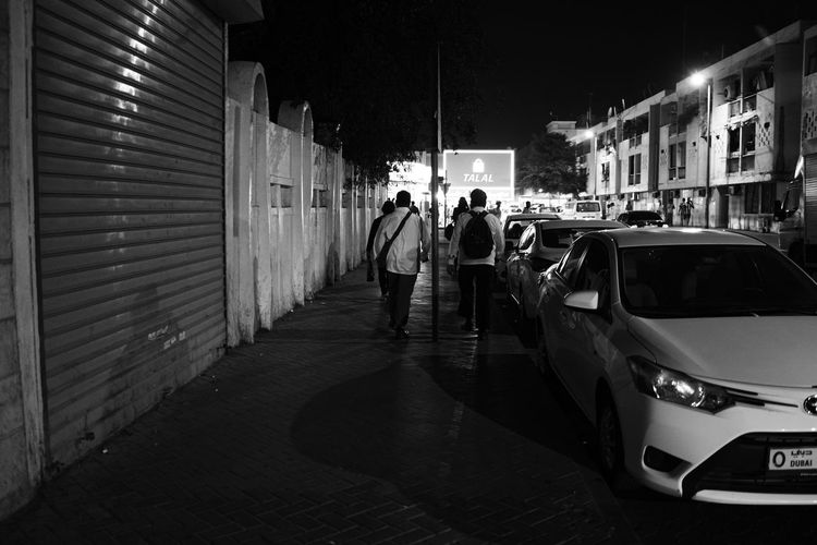 Black & White Street Light Black And White Blackandwhite Blackandwhite Photography Dubai, Evening Mirrorless Monochrome Streamzoofamily Street Photography Streetphoto_bw Streetphotography