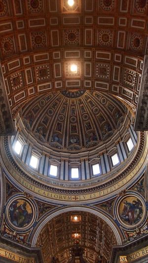 Walking Around San Pietro, cupola