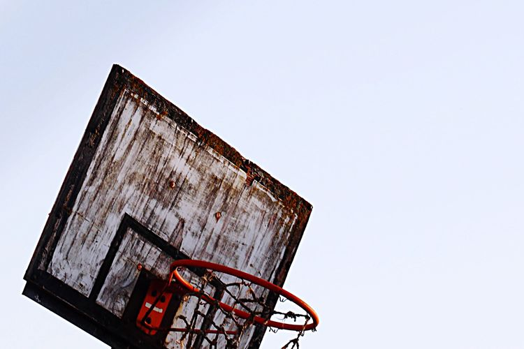 Basketball Old Abandoned Abandoned Places Sport Streetphotography Minimalism Urban Geometry Decay Beauty Of Decay Beauty In Ordinary Things Outdoors Sports Sport In The City Basket Hoop Geometric Shapes Square Bad Condition Broken Creative Single Object White Background Sky White