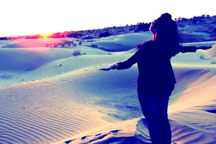 Welcoming the sun Dessert Sunrise Samsanddunes Rajasthandiaries Traveldiaries