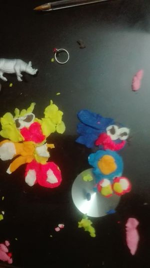 Sonic et Tails... si si Playdough Playdoh Playdoh Fun Childsplay Multi Colored Close-up Indoors  Day Sonic The Hedgehog Tails Rhinoceros Bague Ring Pâte à Modeler  Art Is Everywhere