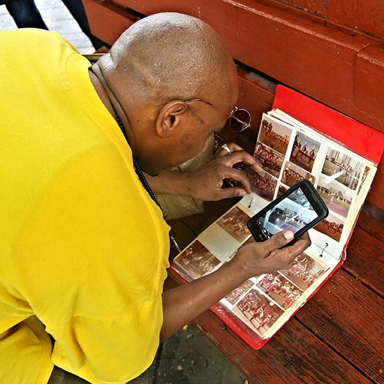 Mobile Conversations A pictures pic... Wireless Technology Technology Archival One Person Leisure Activity One Man Only Outdoors