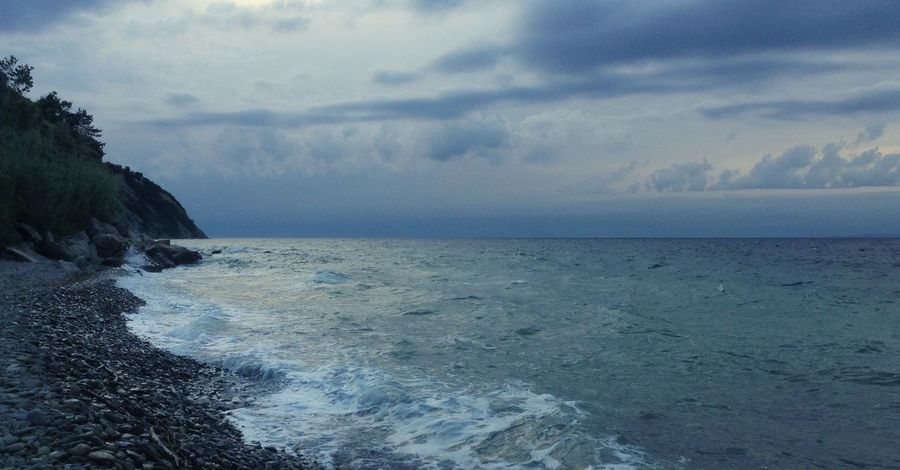 Silence Before The Storm Blue Horizon Over Water Sea Beauty In Nature Water Nature Sky Scenics Tranquility Tranquil Scene Cloud - Sky Idyllic No People Outdoors Beach Wave Seascape Seascape Photography Lost In The Landscape Silence Of Nature Silence Speaks