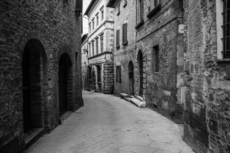 Arch Architecture Black And White Photography Built Structure Diminishing Perspective Old Town Prospective Architecture_bw Streetphotography_bw Real Life Stone Wall Street