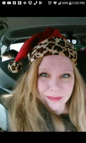 Me Christmas selfie in my car close-up Christmas leopard hat Adult One Woman Only One Person Long Hair People Looking At Camera Headshot Close-up Cute Christmas Fun In My Car