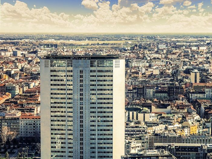 Pirellone Pirellone Milano Architecture Cityscape Building Exterior Crowded Built Structure City Residential Building