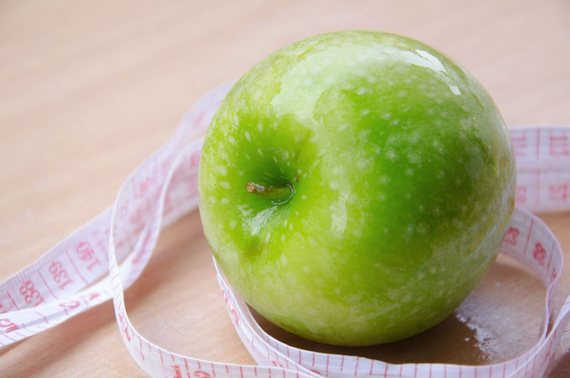 Close-up Day Focus On Foreground Food Food And Drink Freshness Fruit Granny Smith Apple Green Color Healthy Eating Indoors  No People Still Life Table