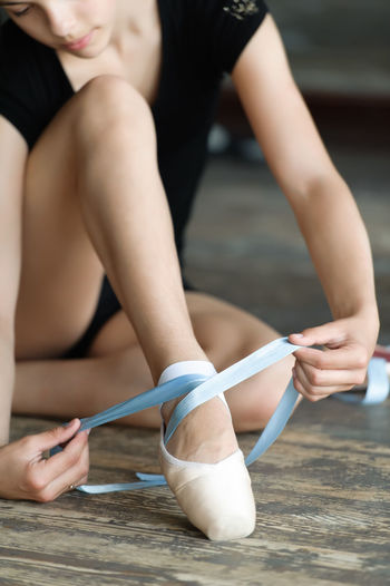 Ballerina Ballet Ballet Slippers Ballet-dancer Caucasian Classic Dancer Elegant Elegante Floor Girl Pointe  Shoe Sit Tie Tiptoe Women