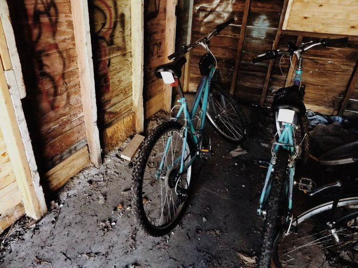 Bikes Blue Bicycles Blue Bikes Bike In The Garage Blue Bike Wood Wooden Wall Memories At Home Grunge Hipster Indie The Garage Graffiti Garage Graffiti Vintage VSCO Interior Views BYOPaper!