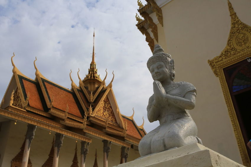 phnom penh royal palace Buddha Cambodia City Phnom Penh Royal Palace Phnom Penh Architecture Building Exterior Built Structure Khmar Lancscape Landmark Low Angle View Palace Phnompenh Royal Royal Palace Sculpture Southeast Asia Statue