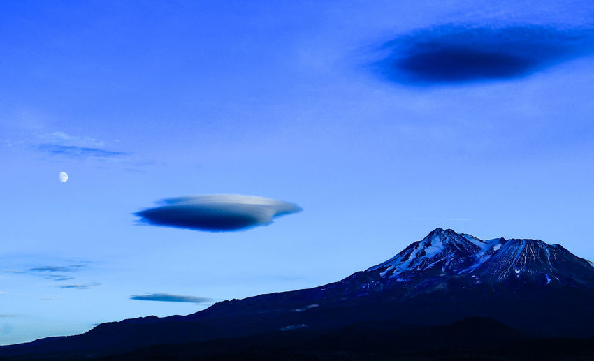 Mountains Sky Landscape Mysterious Mountain Northern California Mount Shasta, California Lenticular Cloud Outdoors Cloud - Sky Diamond Mafia Photography Lake Shastina C.a