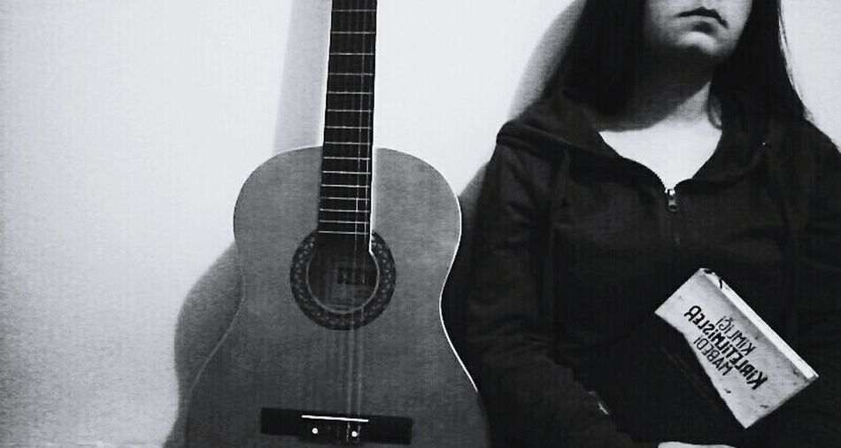 Guitar Music Books ♥ Sessizbirakort First Eyeem Photo Photographer Black & White Love