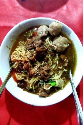 mie ayam! Mie Ayam Bakso Indonesian Food Nyummy Homemade Plate Chinese Food Bowl Cooked Serving Dish Gourmet Table Soup Bowl