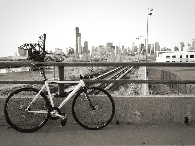 My city Chicago Skyline Wilis Tower Pilsen 18th Street Bridge Unknownbikes Fixed Fixie Fixedgear
