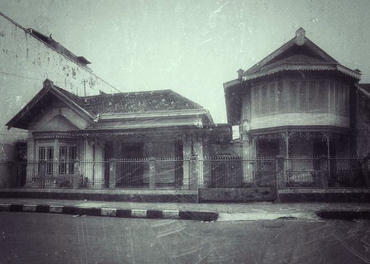 Old house at my hometown, Bogor EyeEm EyeEmIndonesiaCommunity EyeEm Indonesia Iphone 6 Plus