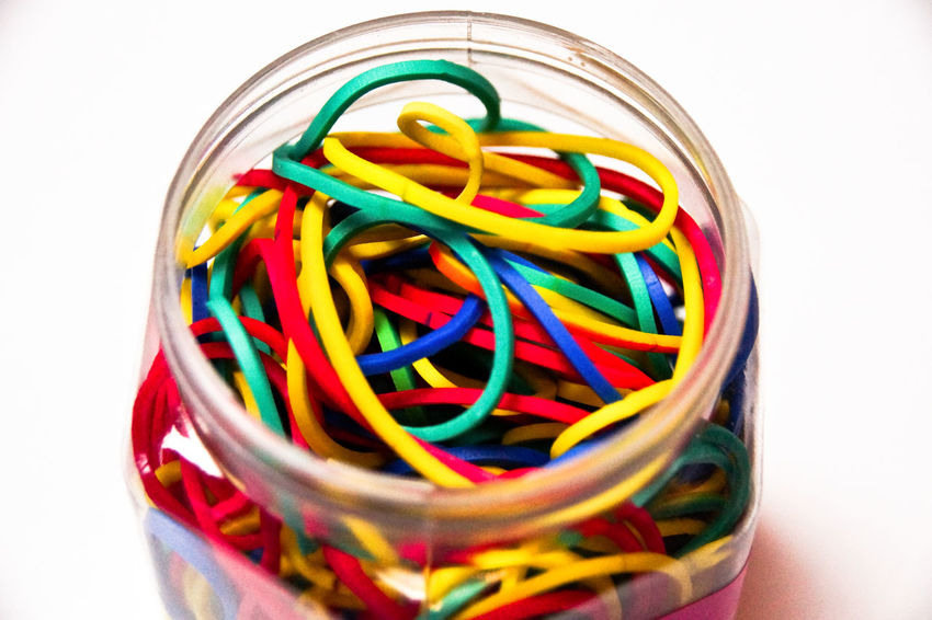 Choice Gummiband Stretchy Arrangement Backgrounds Bunt Cable Close-up Collection Colorful Connection Flexibility Group Of Objects Indoors  Large Group Of Objects Multi Colored No People Plastic Rubber Rubber Band Stretch Stretching Studio Shot Technology Variation White Background End Plastic Pollution