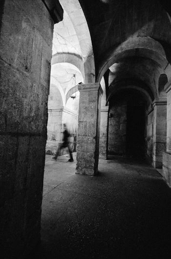 Alley Arch Architectural Column Architecture Archway Building Building Exterior Built Structure Church Cobblestone Corridor Crypt Diminishing Perspective History Indoors  Narrow Old Stone Wall The Way Forward Tunnel Walkway Wall - Building Feature