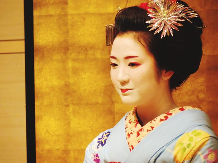Meeting a real Giesha was one of the highlights of visiting Japan. Kyoto Japan Maiko Maikosan Japanese Culture