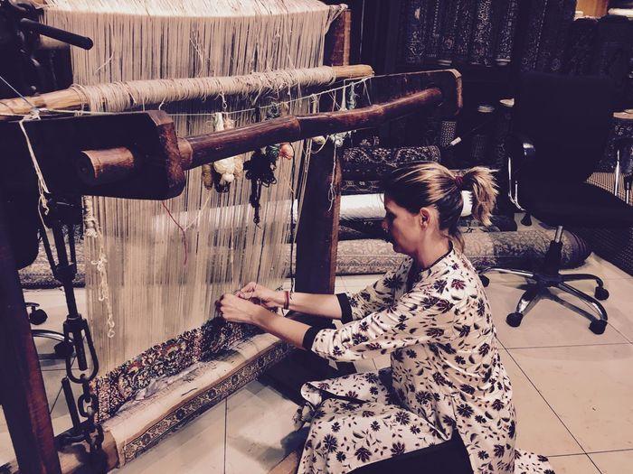 Artisan Indian Culture  Knitting Artisanalework Artisanat Carpet Fashion Handcraft One Young Woman Only Real People Silk Carpet Weaving Carpets Weaving Craft Weaving Loom Weaving Machine Weaving Thread Working Workshop
