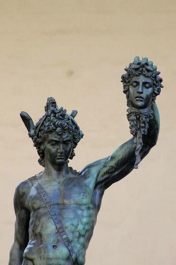 Perseus and Medusa in Loggia dei Lanzi • Piazza della Signoria • Florence Tourism Italy Italia Toscana Tuscany Florence Traditions Art Statue Perseus Medusa Piazzadellasignoria Loggiadeilanzi Reflex Canon