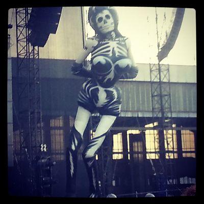 Skelett-Gwen - Da  Ärztivals Tempelhof Berlin