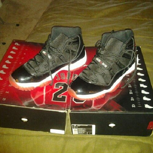 Think i might rock these today. Only worn them 3times. No standing in line for me..lol Sneaker Sneakerheads Jordans JSOE j's