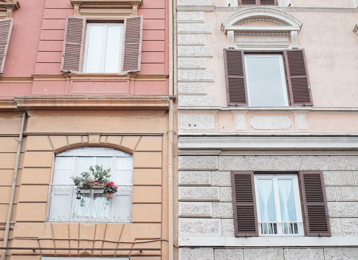 Rom Rome Architecture Building Exterior Built Structure Day No People Outdoors Residential Building Style Warm Colors Window Window Box