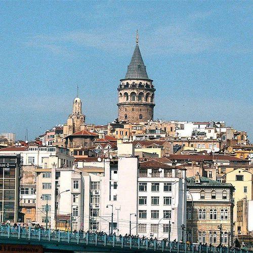 Istanbul Eminönü Karaköy Galatakulesi tower architech mimari city color history nature manzara travel turkiye