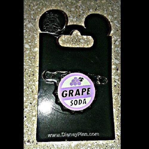 Finally in my possession! Elliebadge Up Disney Carlandellie mrfredrickson grapesoda bestlovestoryever cuzamthatEllietype lovemethatCarltype hopelessromantic hopeFULromantic