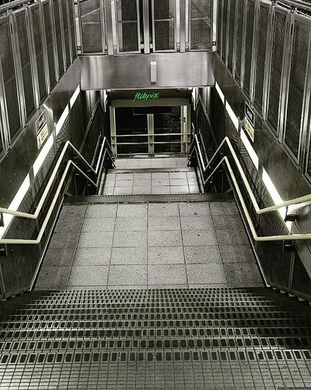 Stairs at Blackfriars Station, it's amazing how we're able to see the beauty in things that others look at as ordinary or mundane. London Uk Thisislondon Londonlife Railways Southeasternrailwaymuseum Trainstations Modernarchitecture Stairs Blackfriarsstation
