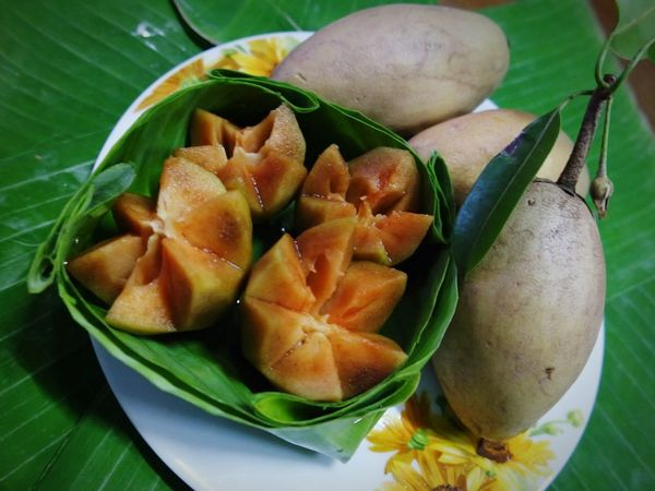 Sapodilla Fruit Freshness Ready-to-eat Food Fruits Fruits Lover Fruitphotography Food And Drink Vegetable Leaf Green Color No People Healthy Eating Indoors  Anise Close-up Day
