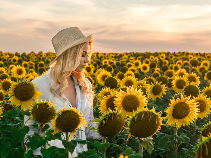 Blonde Fashion Field Hat Nature Sunflower Blond Hair Girl Sexygirl Streetphotography Style Summer Sunflowers Women