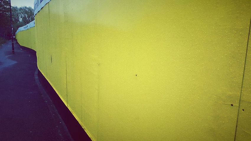 Yellow Curve Wall Building Site Boards TheMinimals (less Edit Juxt Photography)
