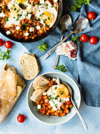 Chickpeas with tomatoes and eggs | daylight foodphotography Bright Bowl Bread Chickpeas Directly Above Eating Utensil Eggs Food Food And Drink Food Photography Foodphotography Freshness Healthy Eating Herb High Angle View Kitchen Utensil Light And Shadow Meal No People Ready-to-eat Spoon Tomato Vegetable Vegetarian Food Wellbeing