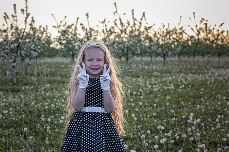 Александра💋💜💋 беларусь Природа доченька весна сад яблони красота Belarus Nature Photo Spring Daughter Lusienka_pilets Canon Beutiful