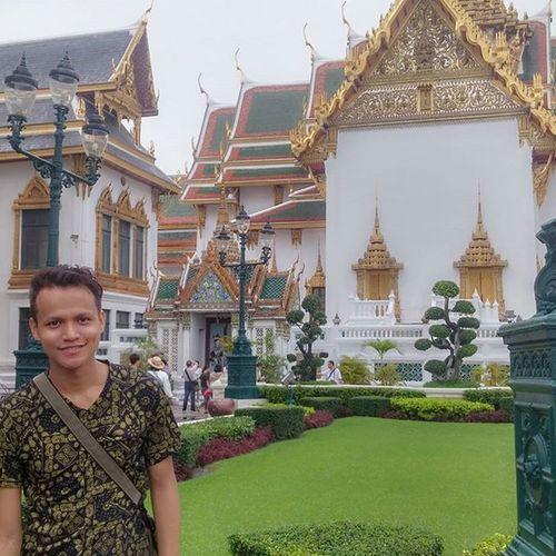 Ang palasyo ng mahal na prinsipe hehe Feelingroyalty Bangkok Famouslandmark Adbentyurnikakangturing KakangturinginBangkok Familyvacation