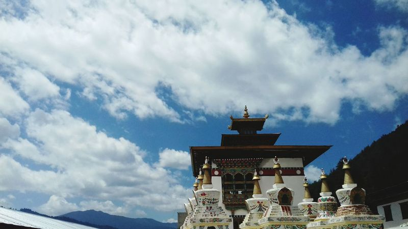 Architecture Travel Destinations Religion Sky Cloud - Sky Tourism Mountain Landscape No People Bhutanese Culture Bhutan Thimphu History Pagoda Palace Travel Ancient Place Of Worship Tradition Spirituality Built Structure Outdoors Building Exterior First Eyeem Photo