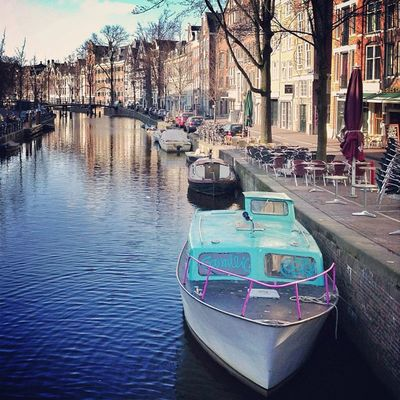 Early morning in #amsterdam ☀?#canal #contestgram #gf_daily #gang_family #gramoftheday #holland Amsterdam Holland Canal Gang_family Gf_daily Contestgram Gramoftheday Gramsterdam Iaminamsterdam Mokummagazine