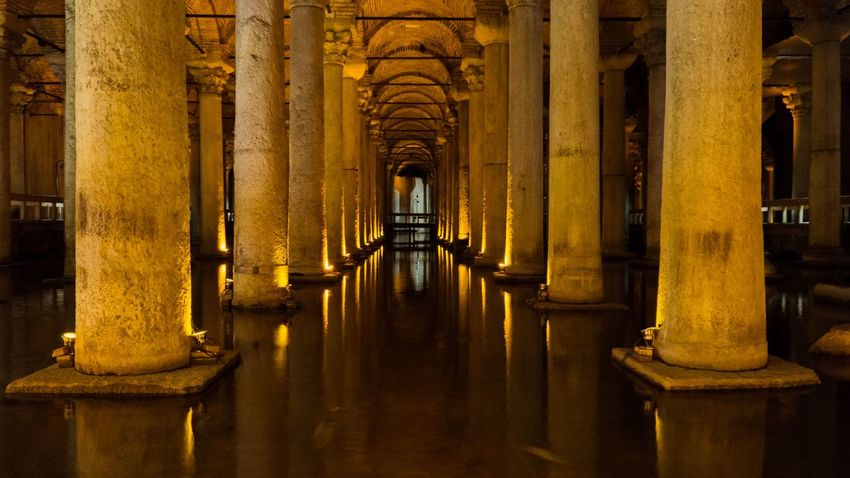 The Basilica Cistern (Yerebatan Sarnıcı) Architectural Column Architecture Architecture Basilica Basilica Cistern Built Structure Cistern Eye4photography  EyeEm Best Shots EyeEm Gallery Horizontal ILCE-6000 Istanbul Sony A6000 Türkiye Yerebatan Sarnıcı Eye4photography  EyeEmNewHere