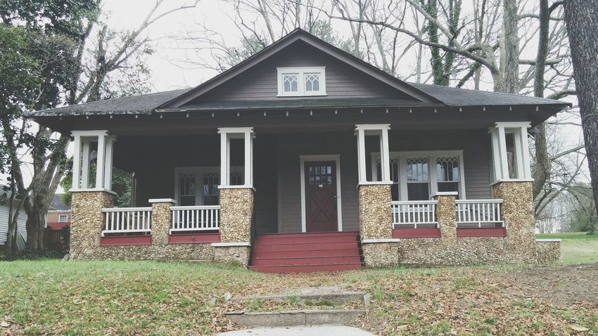 This is a house in Downtown Lawrenceville and I've always been sooo in love with it.